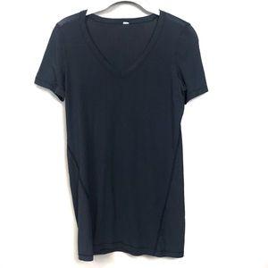 Lululemon black ribbed V-neck short sleeve top